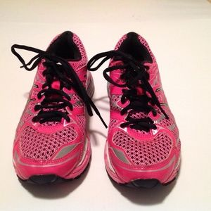 Asics Shoes - Asics Woman's Gel Surveyor Pink Size 6 EUC